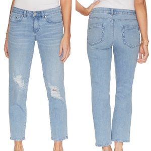 Vince Camuto | NWT Cropped Straight Leg Jeans
